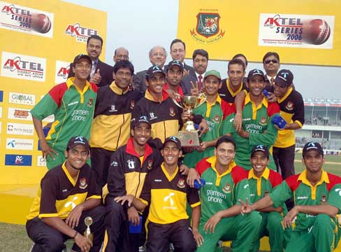 Triumphant Tigers after sealing ODI series whitewash of Zimbabwe. &#0169 TigerCricket