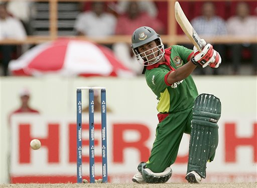 Brilliant Ashraful on his way to magnificant 87 against South Africa. (AP Photo)